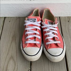 Pink, converse low tops